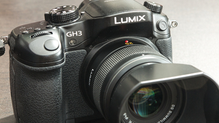 Panasonic LUMIX GH3 + SUMMILUX 25mm F1.4